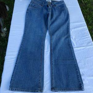 Levi's Signature Low Rise Bootcut Jeans